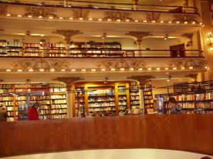 """The inside of the """"Secondbest bookshop in the World"""""""
